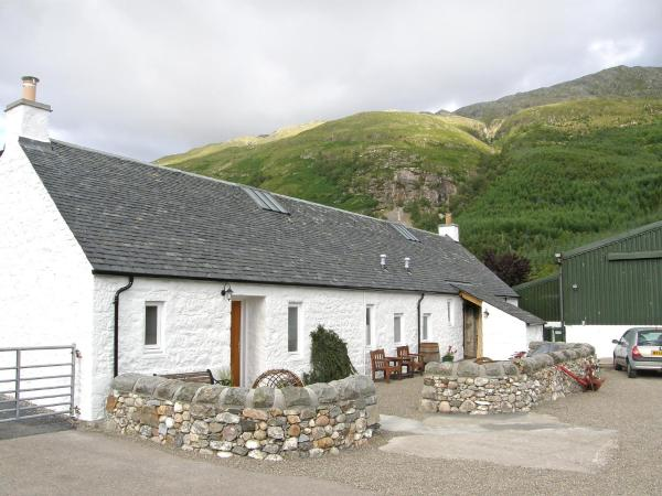 Hotel Pictures: Farm Stay Stable Bothy, Kentallen