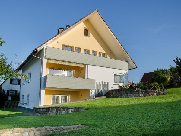 Hotel Pictures: Apartment Haus Feldbergblick, Döggingen