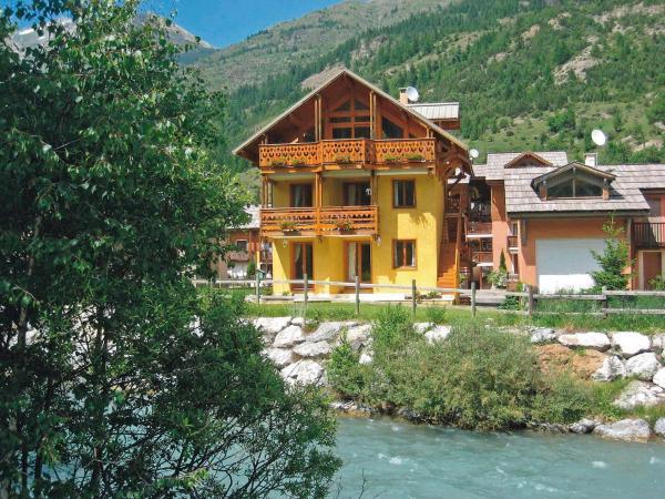 Hotel Pictures: Chalet La Riviere, Le Bez
