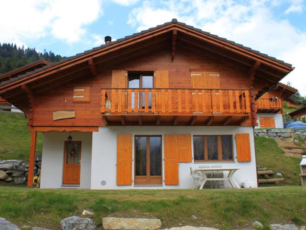 Hotel Pictures: Chalet L'Elorian, Ovronnaz