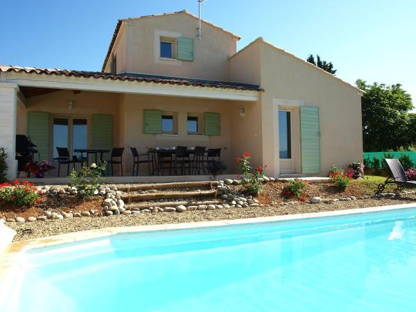Hotel Pictures: Villa Les Romarins.1, Saint-Saturnin-d'Apt
