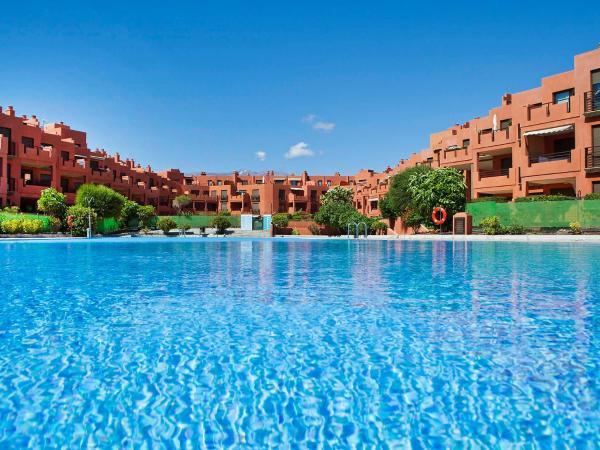 Hotel Pictures: Apartment Pizarro, La Mareta