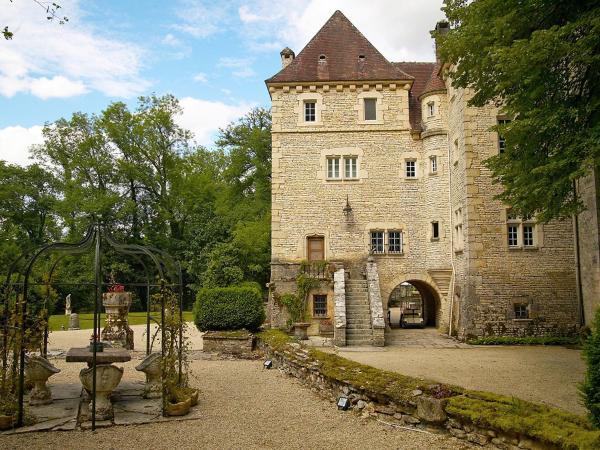 Hotel Pictures: Villa Le Vieux Château, Voutenay-sur-Cure