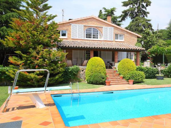 Hotel Pictures: Holiday Home La Garriga 10+2, La Garriga