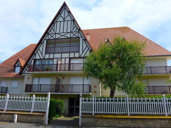 Hotel Pictures: Apartment Neptune.1, Cabourg