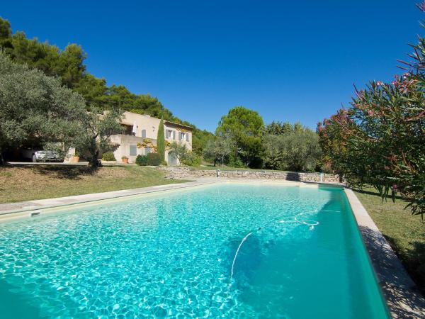Hotel Pictures: Holiday Home Les Pasterelles, Cadenet