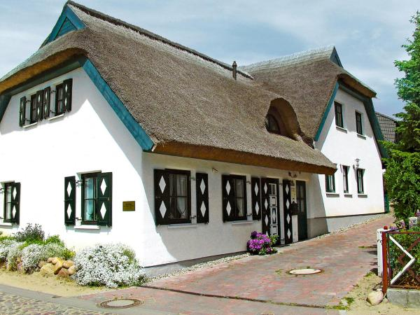 Hotel Pictures: Holiday Home Boddenstrasse.3, Groß Zicker