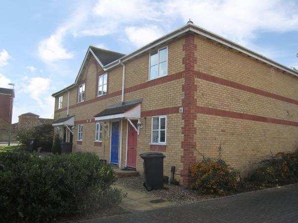 Hotel Pictures: Holiday Home Livesey Close, Kingston upon Thames