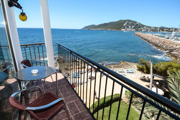 Deluxe Double Room with Terace and Sea View
