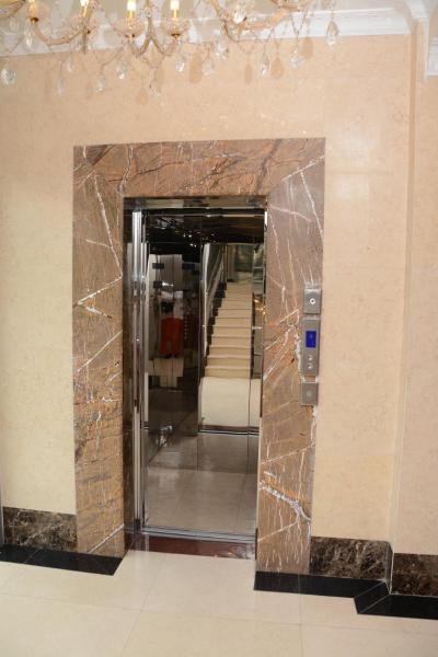 Hotel Pictures: Amaritsah Club Hotel, Brazzaville
