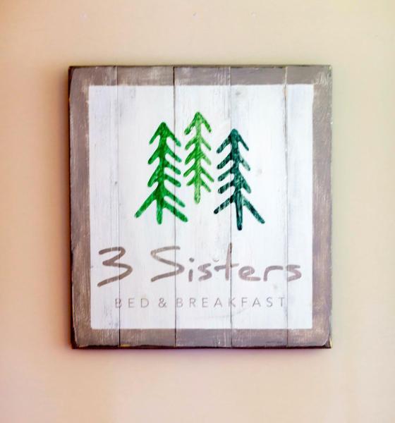 Hotel Pictures: 3 Sisters Bed & Breakfast, Clarksburg