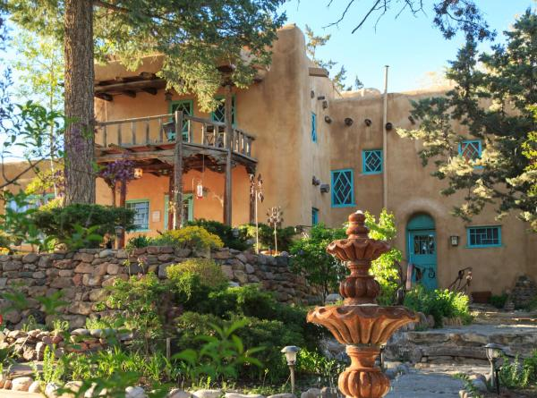 Hotel Pictures: Inn of the Turquoise Bear, Santa Fe