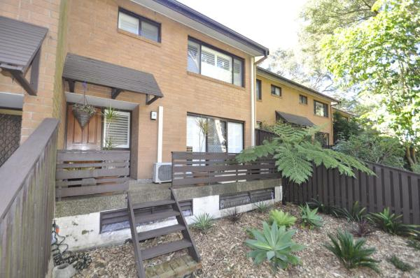 Hotelbilleder: North Ryde Self-Contained Modern Three-Bedroom Apartment (2FONT), Ryde
