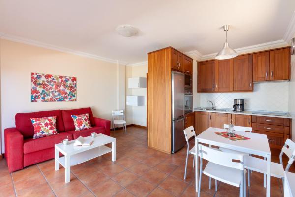 Hotel Pictures: Apartamentos Terrazas Los Gigantes, Santiago del Teide