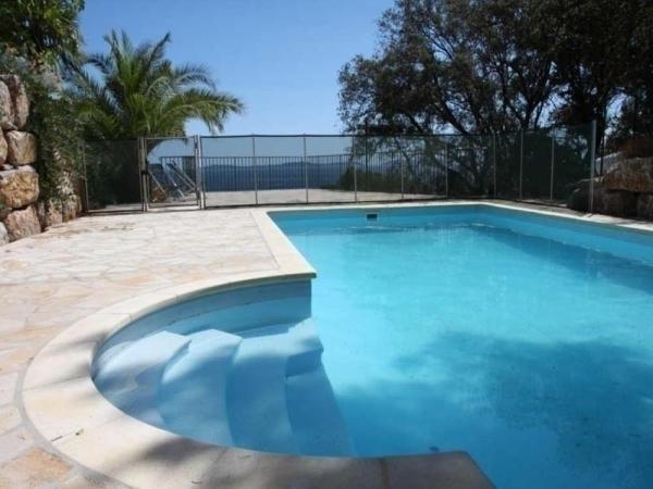 Hotel Pictures: Rental Villa Villa Le Guet, Cavalaire-sur-Mer