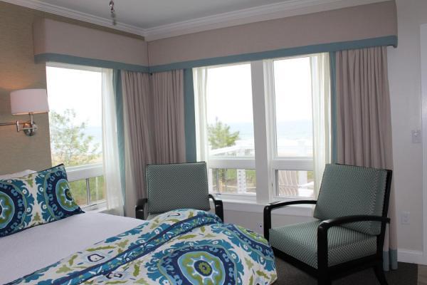 Luxury Queen Sunrise Suite