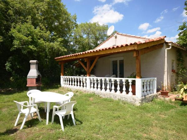 Hotel Pictures: Holiday Home Mas De Vaylats, Vaylats