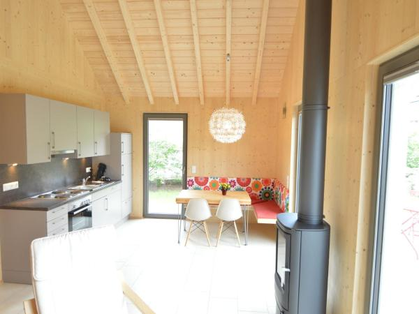 Hotel Pictures: Holiday Home Ferienhaus Woodhome, Dahlem
