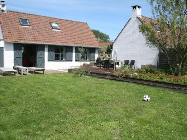 Hotelbilleder: Holiday Home Vakantiehuis Plopsa, Adinkerke