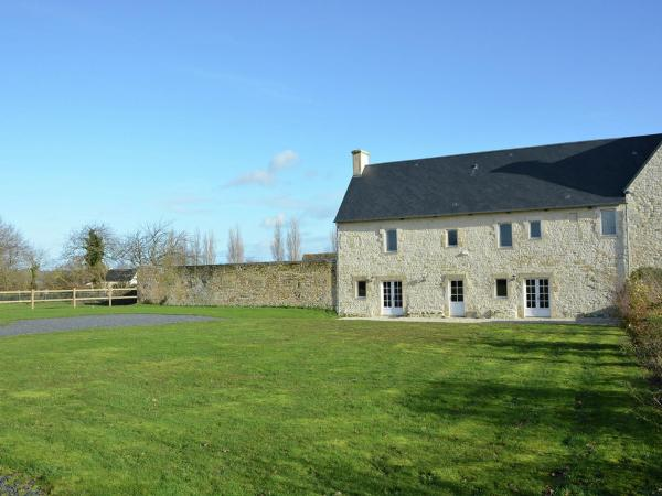 Hotel Pictures: Holiday Home Grange, Maisons
