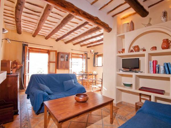 Hotel Pictures: Apartment Casa De La Luz, Bubión