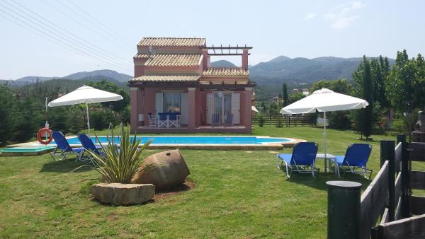 Hotel Pictures: Villa Filia, Almiros Beach