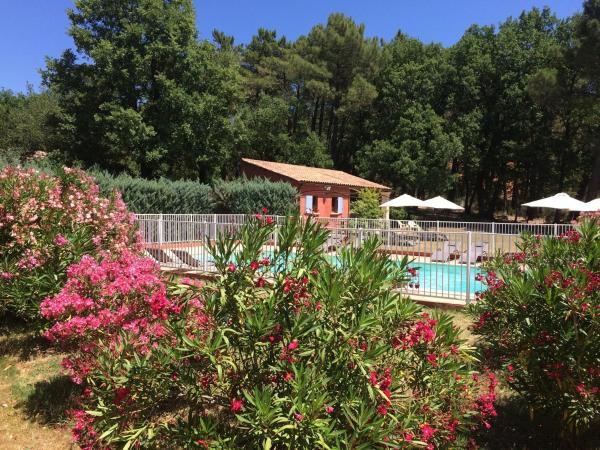 Hotel Pictures: La Petite Auberge de Roussillon, Roussillon