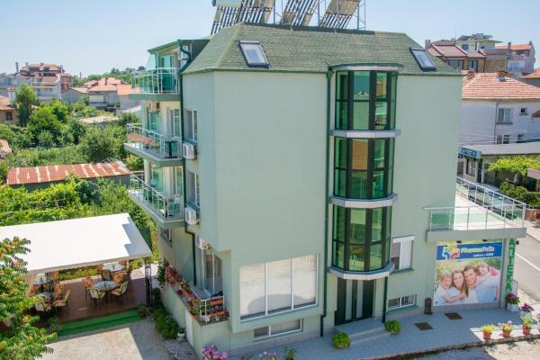 Fotografie hotelů: Hotel Debi, Chernomorets