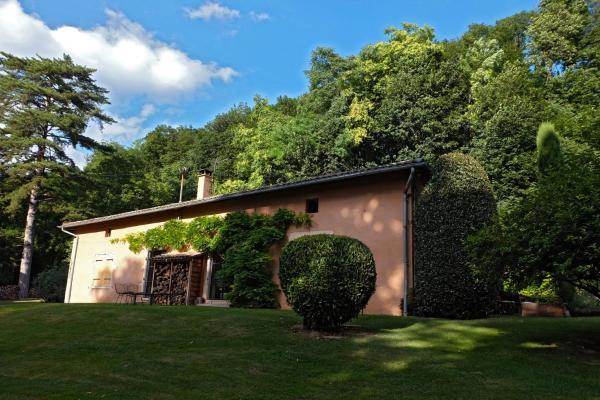 Hotel Pictures: La Garenne, Fareins