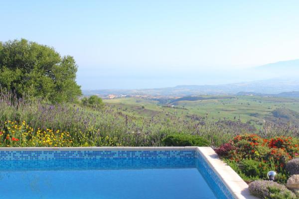 Hotel Pictures: Villa Aeria, Droushia