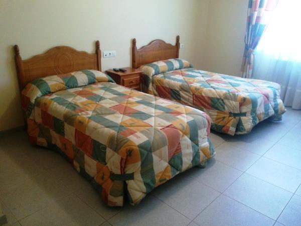 Hotel Pictures: Hostal Carmen, El Puente