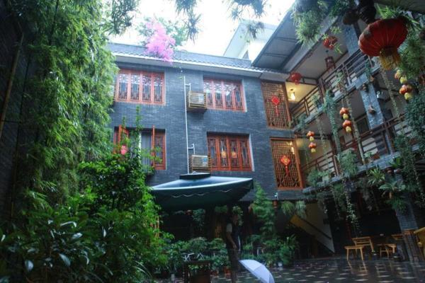 Hotel Pictures: Red House, Dayi