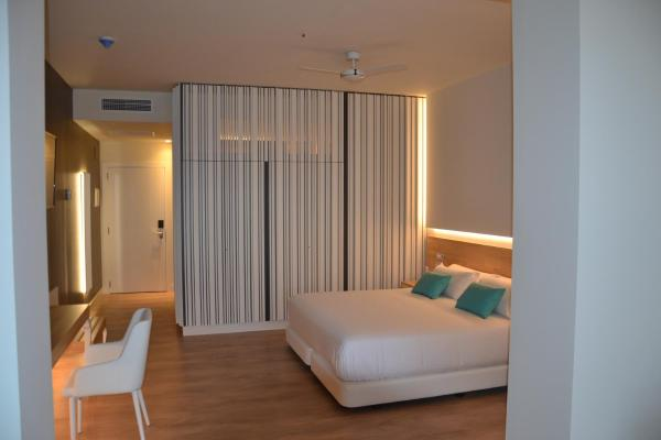 Suite (2 Adults + 1 Child)