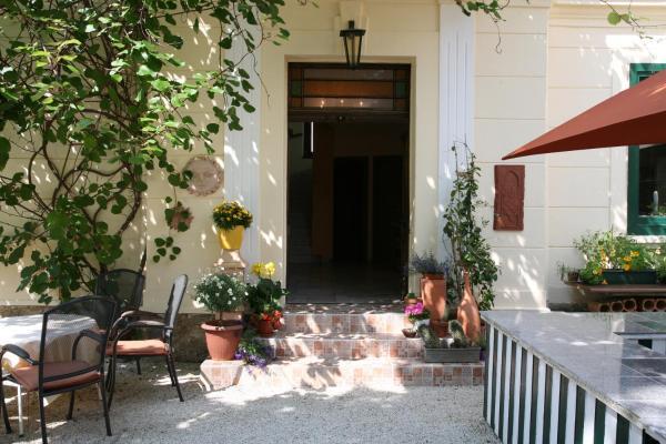 Hotellikuvia: Hotel Rosmann, Reifnitz