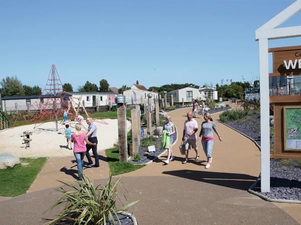 Hotel Pictures: Resort Combe Haven.2, Hastings