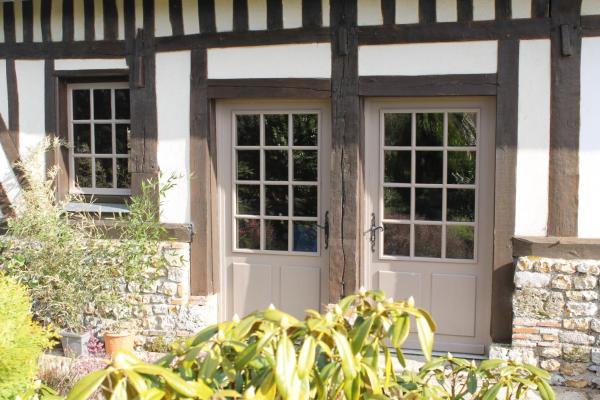Hotel Pictures: La Maison de Rosalie, Genneville