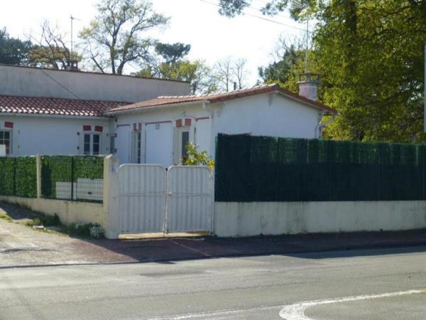 Hotel Pictures: Rental Villa Parc De Royan 1, Royan