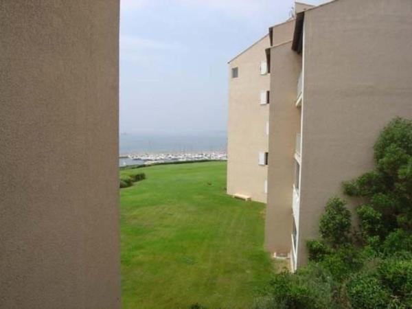 Hotel Pictures: Rental Apartment Cap Vert 3, Six-Fours-les-Plages