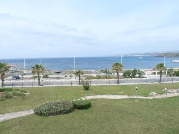 Hotel Pictures: Rental Apartment Les Marines D'aryana 1, Six-Fours-les-Plages