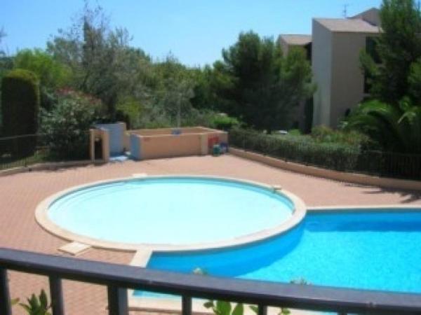 Hotel Pictures: Rental Apartment Jardin Azur 2, Six-Fours-les-Plages