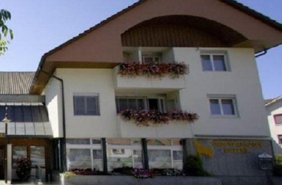 Hotel Pictures: , Busswil