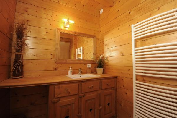 Hotel Pictures: Les Chalets des PALETIERES, Theys