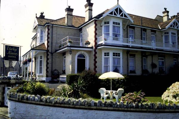 Hotel Pictures: Varley House, Ilfracombe