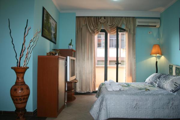 Hotel Pictures: Tirana Central Studio, Tirana