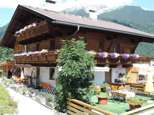 Hotel Pictures: Haus Sonja, Lermoos