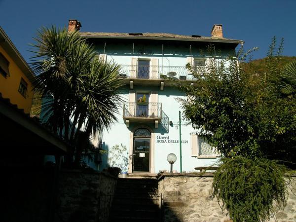 Hotel Pictures: Garni Rosa Delle Alpi, Gordola