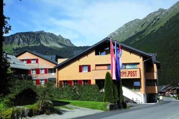 Foto Hotel: Alpenhotel Post, Au im Bregenzerwald