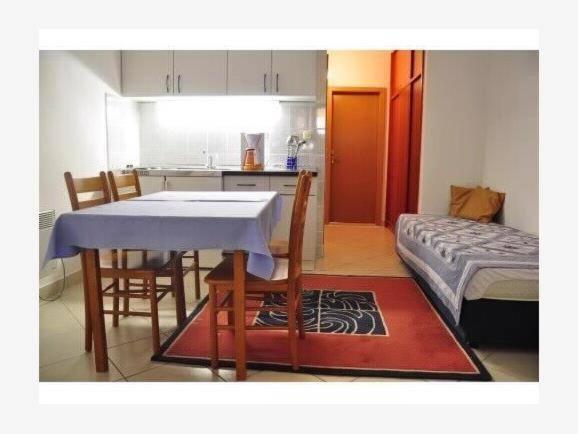 Foto Hotel: Apartments Villa Meridiana, Orebić