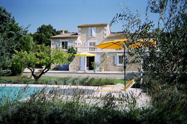 Hotel Pictures: Le Mas Julien, Lagnes