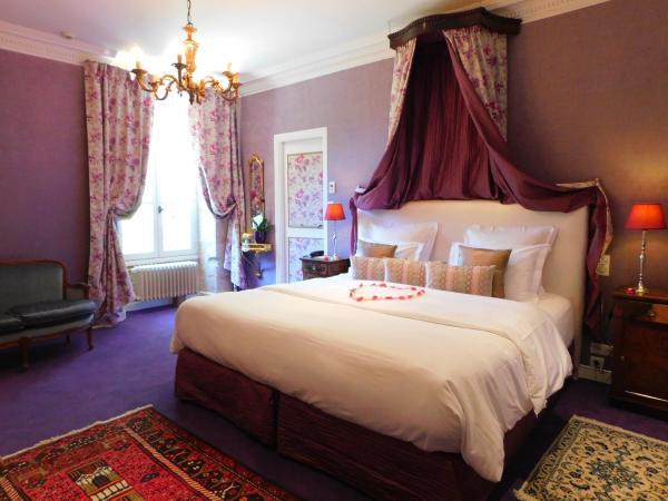 Hotel Pictures: Le Château de l'Abbaye Châteaux & Hôtels Collection, Moreilles